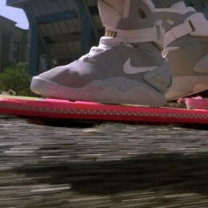 back-to-the-future-hoverboard-870x489