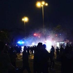 Freitag Nacht am Pferdemarkt: Polizei setzt Wasserwerfer ein