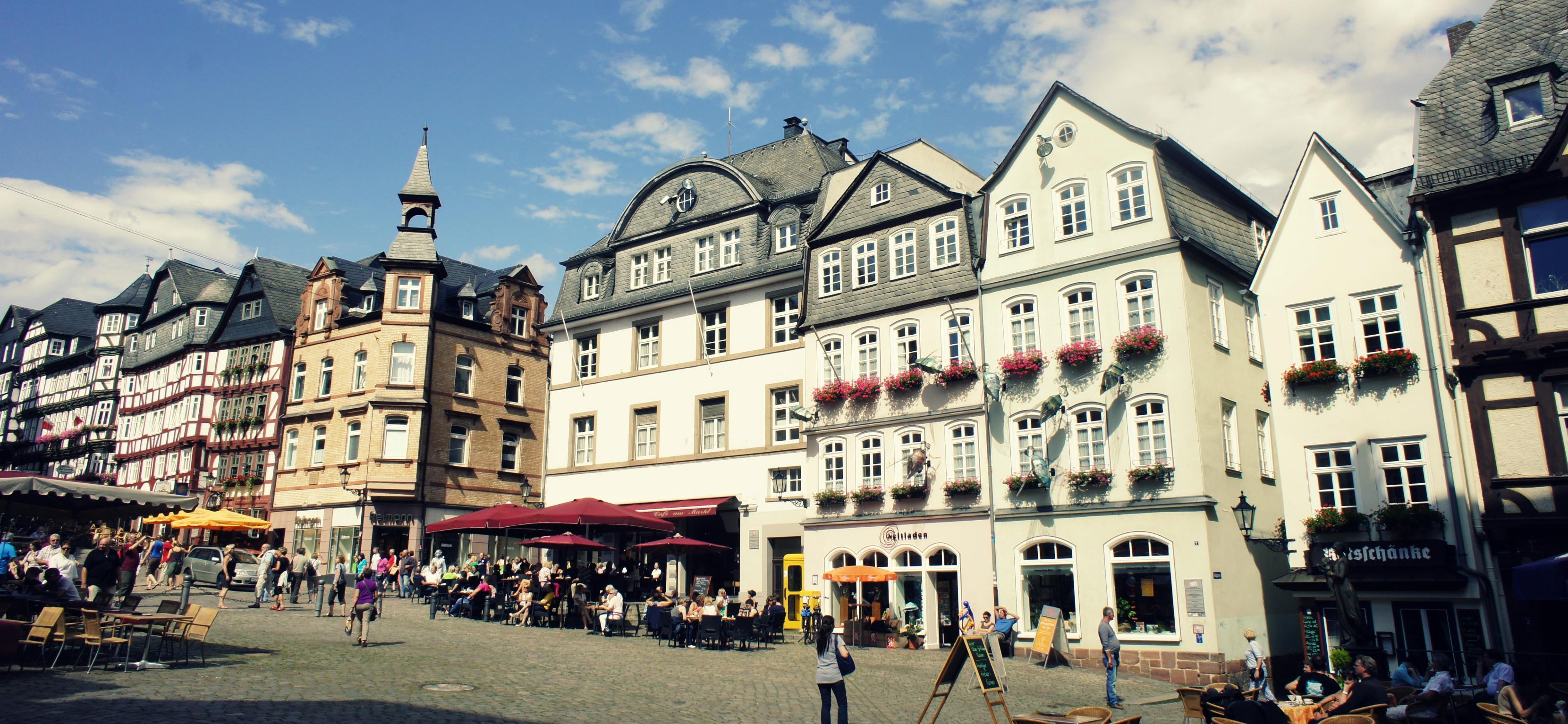 Ich bleibe in den Semesterferien (auf gar keinen Fall) in Marburg