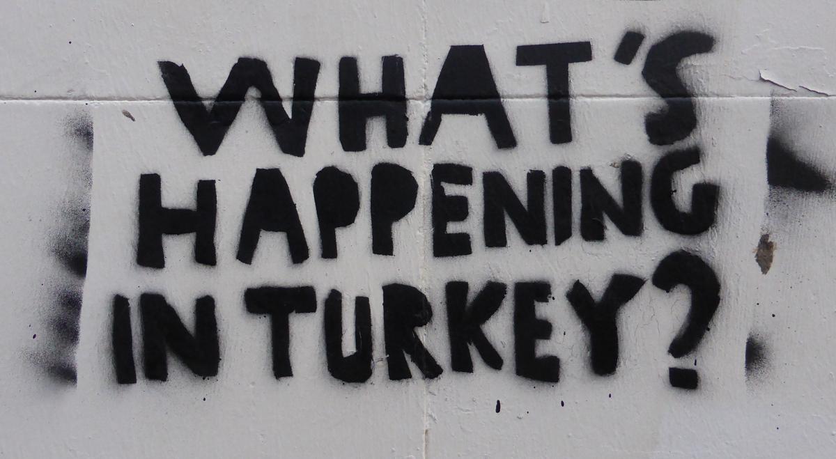 »Die momentane Situation in der Türkei ist surrealer als ein Literaturwerk«