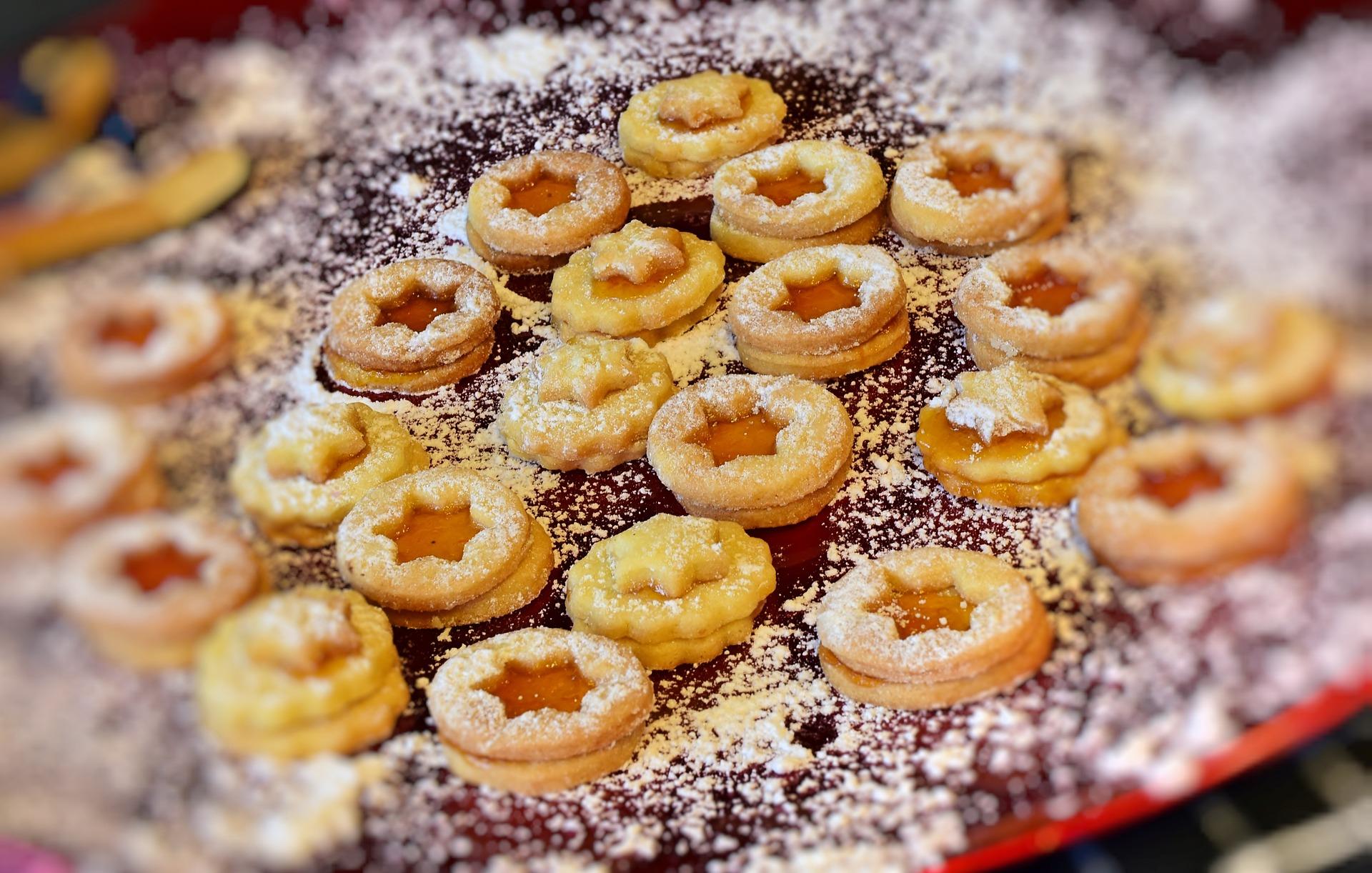 Studentenfutter: Plätzchen mit Marmelade